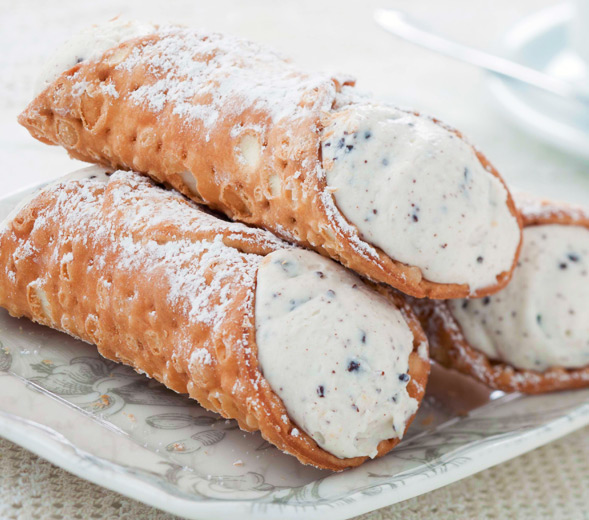 cannoli-closeup