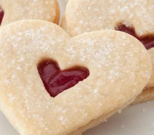 valentine-shortbread-linzer-closeup